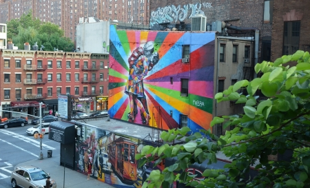 vj: NEW YORK CITY - AUGUST 08  A Mural by artist Brazilian artist Kobra August 08, 2013 in New York, NY  The colorful mural is based on Alfred Eisenstaedt s photo from V-J Day in Times Square Editorial