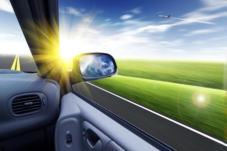 rear view mirror: coche y espejo retrovisor