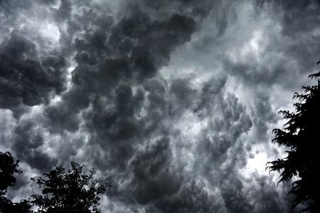 heavy rain before the dark clouds