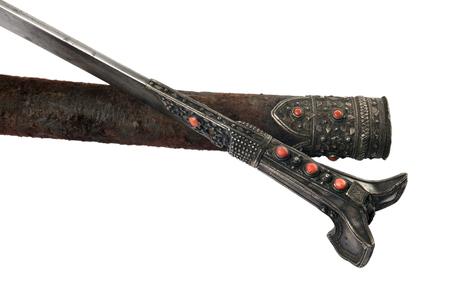 scheide: Türkisch Krummsäbel mit Scheide, mit Ornamenten und Korallen, 18-19 Jahrhundert, isoliert
