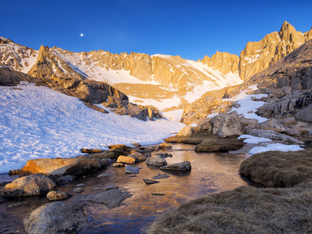 inyo national forest: Mt. Whitney - High Camp in the Morning