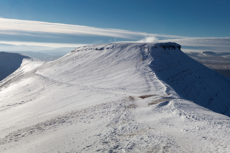 brecon beacons: Corn Du, next to Pen y Fan, the highest peak on the Brecon Beacon mountains in South Wales, UK