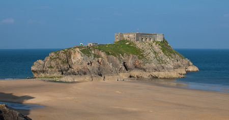 tenby wales: St Catherines Island is a small tidal island at the town of Tenby in Pembrokeshire, Wales Stock Photo