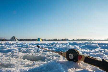 ice fishing: ice fishing rod