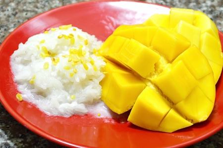 mango with sticky rice and coconut milk, Thai traditinal dessert