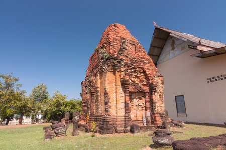 lintel: Out side of Phra That Dum, is the lone Stupa is built with laterite in the same period as Phra That Narai Cheng Weng, but the stupa is smaller without base. The lintel featuring God Vishnu in reclining position is placed on the northern arch. Furthermore,