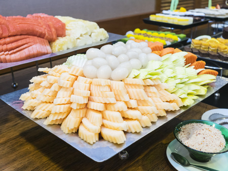 banquette: dessert buffet