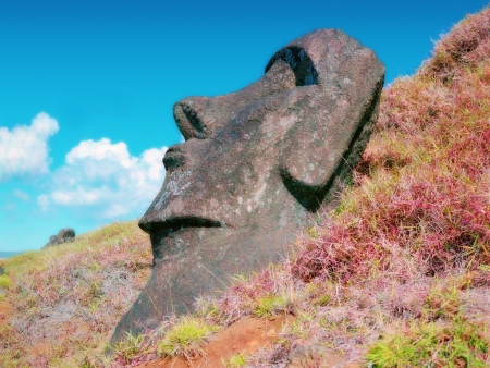 moai: Moais de Ahu Akivi interior Ahu sobre el Patrimonio Mundial de la UNESCO de la Isla de Pascua Chile