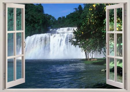 Open de panaramische panorama van het venster naar de beroemde Tinuy-an Falls, Bislig City, Filipijnen