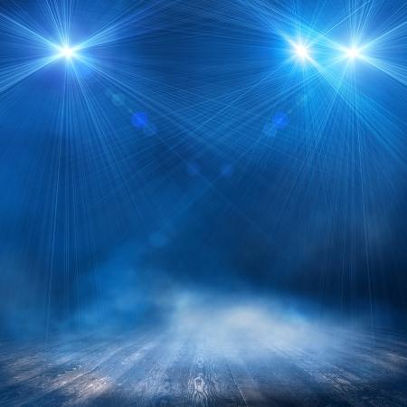 ray trace: Antecedentes en el interior espect?lo brill?n un proyector Foto de archivo