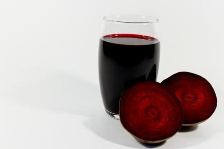 remolacha: Vaso de jugo de remolacha fresca