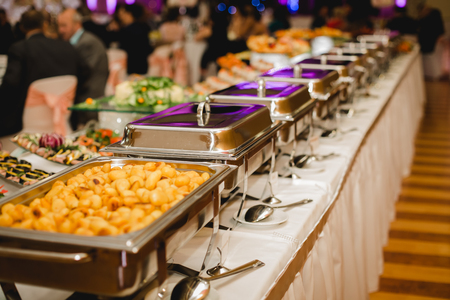 ケータリングや結婚式やイベントのための食糧