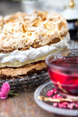 Creamy pastry almond cake