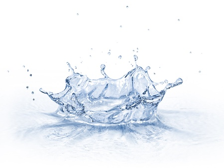 흰색 배경에 고립 된 물 왕관 시작,