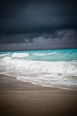 Bad weather seascape with cloudy sky and water wave Banco de Imagens