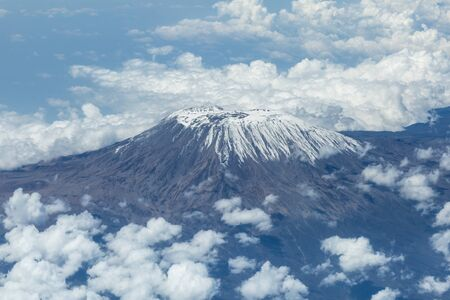 An aerial view of Mount Kilimanjaro, taken from the flight deck of an airplane 免版税图像