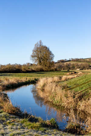 The River Cuckmere near Alfriston in Sussex, on a Sunny Spring Morning Imagens