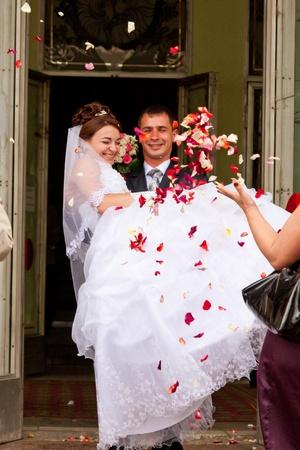 Nově st šťastný pár se osprchoval v růžových lístků