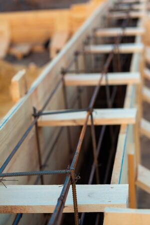 Reinforcement of corners for creating strip foundation for new house basis. Banque d'images