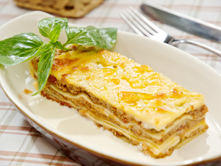 bolognese sauce: Classic Lasagna with bolognese sauce