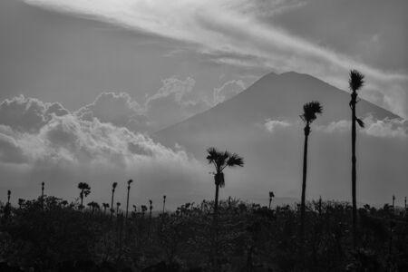 Agung volcano in east Bali, Indonesia. Black and white photo 免版税图像