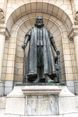 Rotterdam, Netherlands - May 22, 2018: Statue of Dutch statesman Johan van Oldenbarnevelt in a niche of City hall. He was pensionary of Rotterdam, which under his leadership prospered and grew rich. Redakční