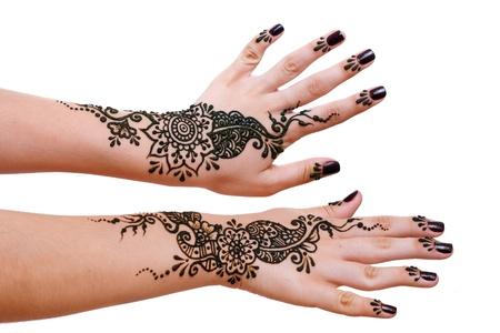 Afbeelding detail van henna wordt toegepast op twee handen Stockfoto