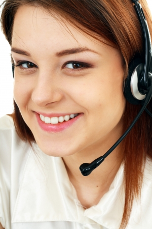 hands free: Mujer Telemarketing auricular del centro de atenci�n telef�nica sonriente feliz que habla en el dispositivo de manos libres auricular.