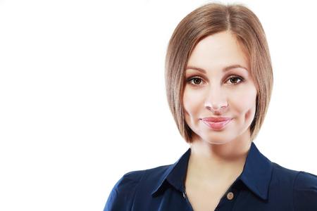 foto carnet: mujer de negocios retrato profesional. Mujer de negocios de cerca retrato joven aislado en fondo blanco. Raza mezclada modelo femenino caucásico asiático de unos veinte años.