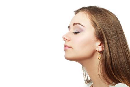 Respirar, la respiración, la mujer aislado más de blanco