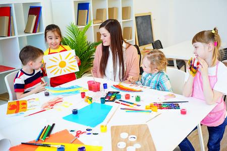 Art lesson in kindergarten Foto de archivo