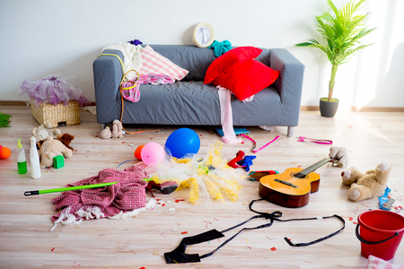 Desorden del desorden en el hogar Foto de archivo - 82336528