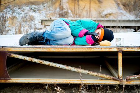 Vagabundo de mujer sin hogar