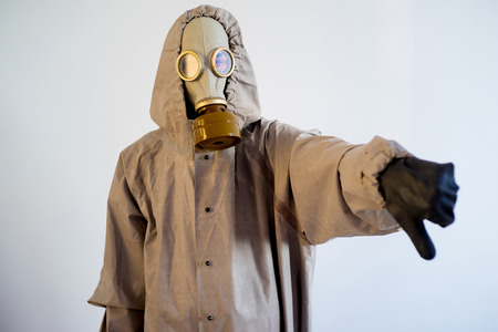 Les gens dans les masques à gaz Banque d'images - 92575560