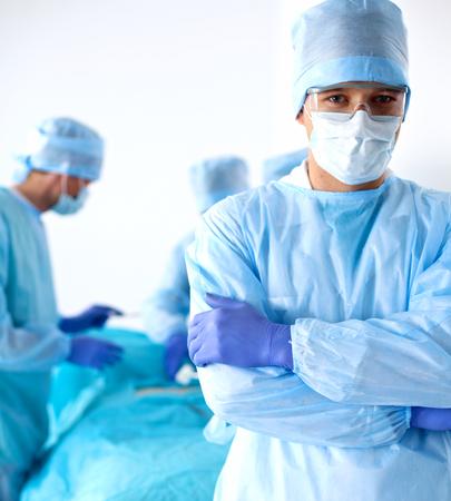 cirujano: un equipo de cirujanos talentosos para realizar la operaci�n. Foto de archivo