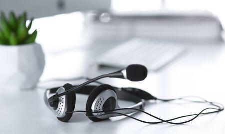 Support de communication, centre d'appels et help desk