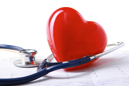 Red heart and a stethoscope 免版税图像