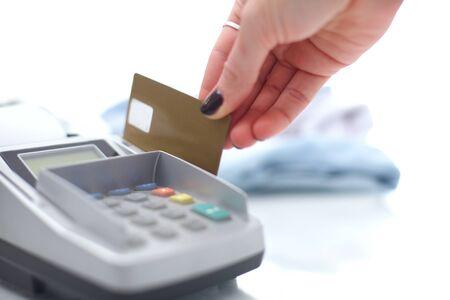 Servizio di pagamento con carta di credito, acquisto e vendita di prodotti. Pagamento con carta di credito