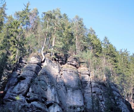 czech switzerland: Rocce nel primo mattino Svizzera Ceca sul cielo blu Archivio Fotografico