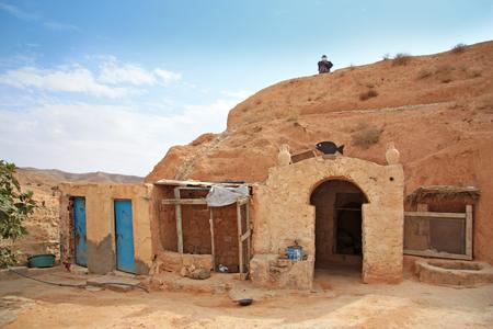 matmata: MATMATA, TUNISIA -- CIRCA SEPTEMBER 2010: entrance to the traditional Berber dwelling underground Editorial