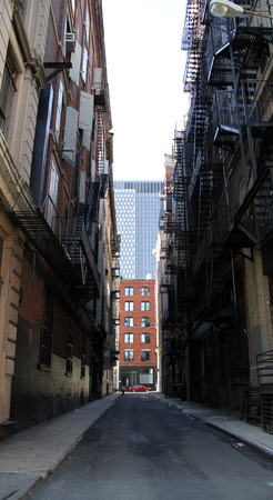 dark alley: New York alleyway