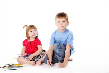brother and the sister draw color pencils photo