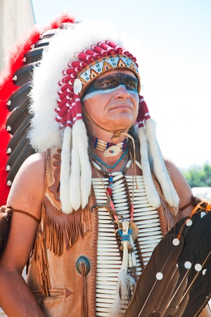 head-dress: North American Indian w pełnym rynsztunku. Rekonstrukcja