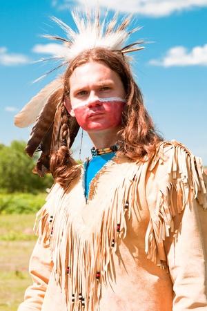 indigenas americanos: Los indios norteamericanos en traje de gala. Reconstrucci�n