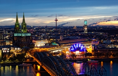 bird 's eye view: View of Cologne and the Cologne cathedral in the night from height of bird Editorial