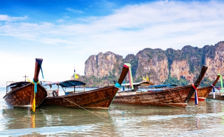 railay: Traditional longtail boats in Railay  beach, Thailand  Stock Photo