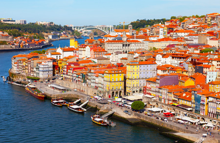 Portugal, Porto, view of the city and Douros river early in the morning 版權商用圖片