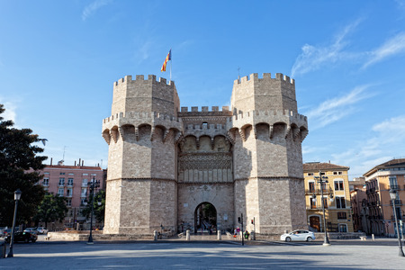 torres: VALENCIA, SPAIN-SENTYABR 14, 2013: Serranos Towers. A view of the Serranos Towers, a medieval gate in Valencia.