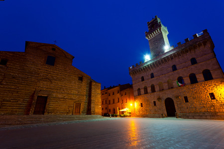 montepulciano: Central square in Montepulciano at night, Italy