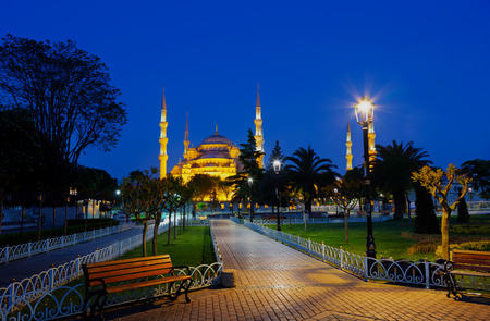 istanbul night: Blue mosque (Sultan Ahmed Mosque) in Istanbul at night, Turkey